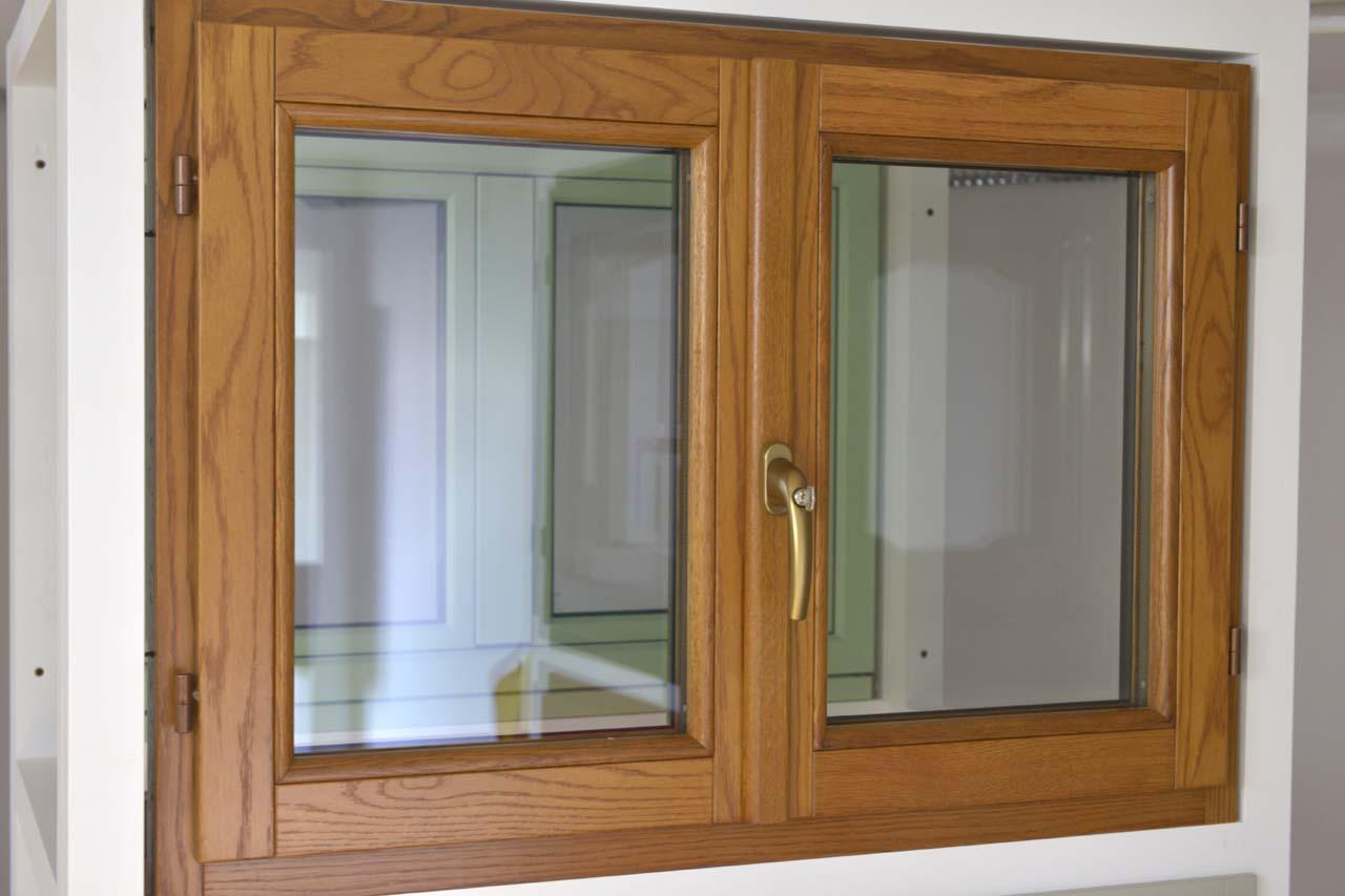 Serramenti pvc o legno finest finestre in legno chiaro - Finestre in legno ...