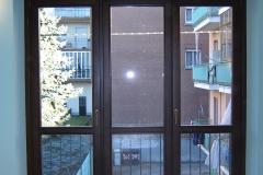 Porta balcone a tre battenti con cassonetto